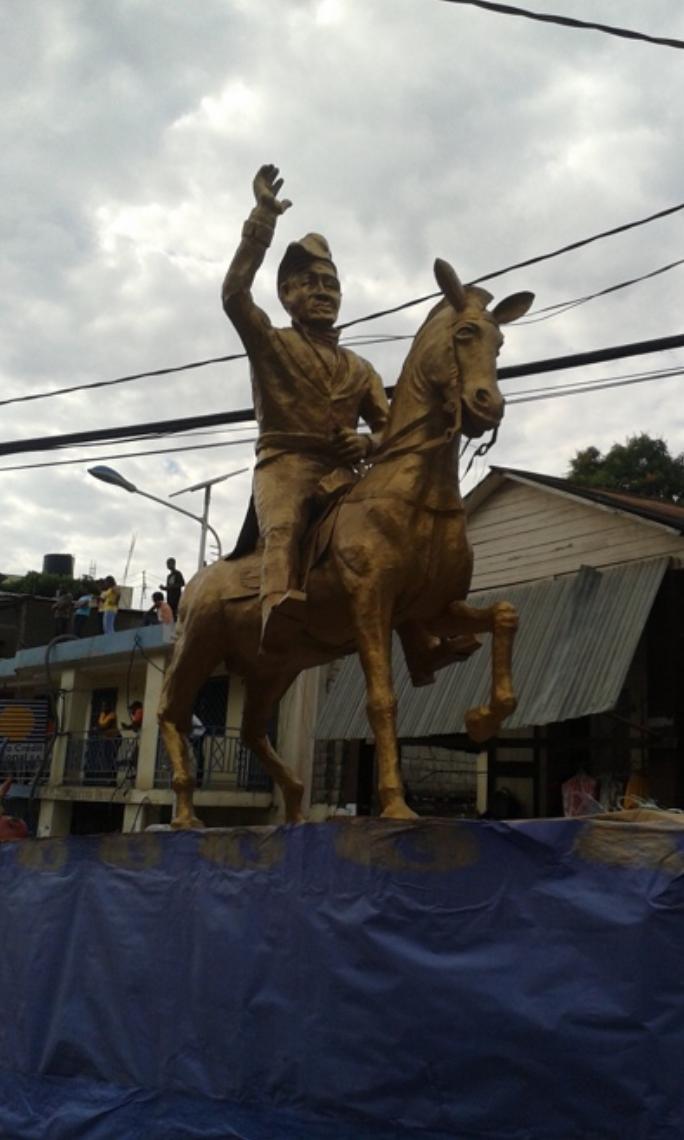 Sculpture of Dessalines.