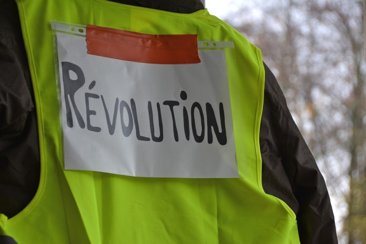 yellow-vests-3854259_960_720