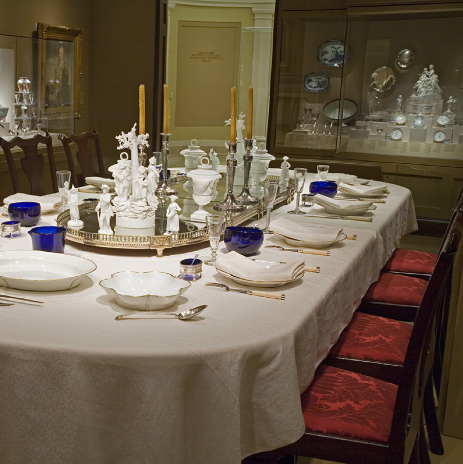 A table set for a presidential dinner.